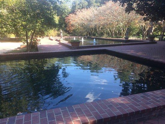 Aiken, Carolina del Sur: Fountains at Hopelands