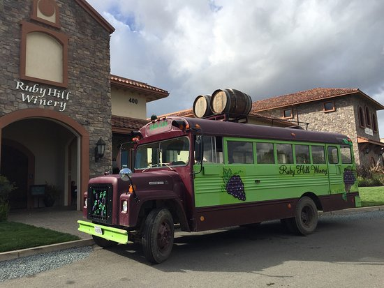 Ruby Hill Winery : Such a fun day in the vineyard!