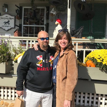Chesapeake City, MD: Us shopping in town.