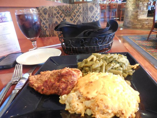 Hartwell, GA: Sunday Brunch Special