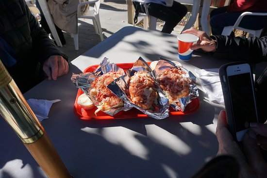 Wiscasset, ME : This is what the fuss is about: lobster rolls, and the best!!