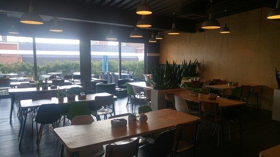 Hotel O Ieper - Grote Markt: hotel breakfast space