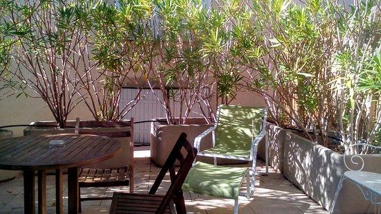 Siran, Francia: Terrasse de la chambre.