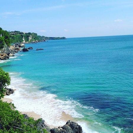 Jimbaran, Indonesia: Dasyatt bagusnya! pasirnya putih dan bersih..buruan kesini gaess..