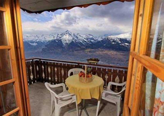 Hotel Chalet Royal: Vista terrazzo camera