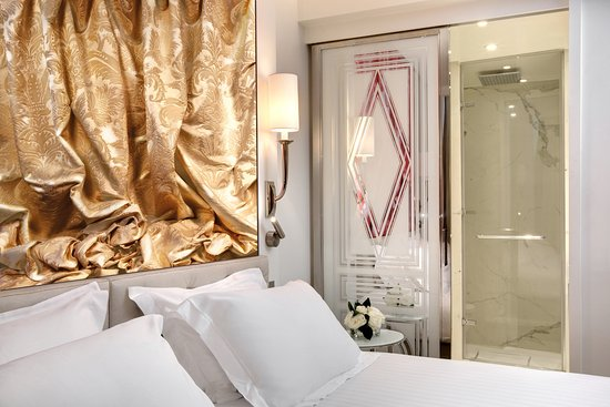 junior suite suite bedding area picture of la villa haussmann paris tripadvisor. Black Bedroom Furniture Sets. Home Design Ideas