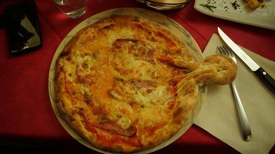 Ristorante Pizzeria Rolly: Pizza baby alla pancetta, tremosine e origano