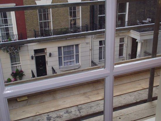 Alexandra Hotel: A typical London house
