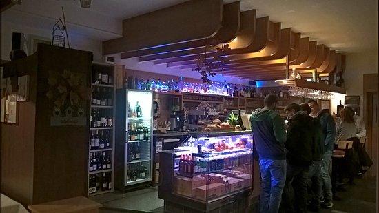 Wuerstlhof: banco bar