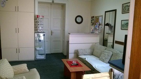 Hostel Parliament: resaption