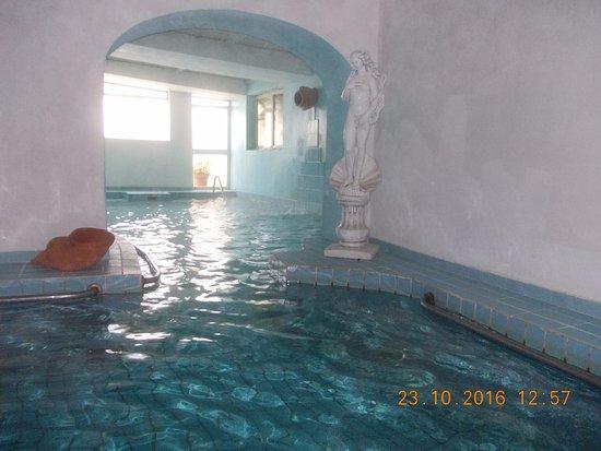 Hotel St Leonard: piscina interna 38,7 gradi