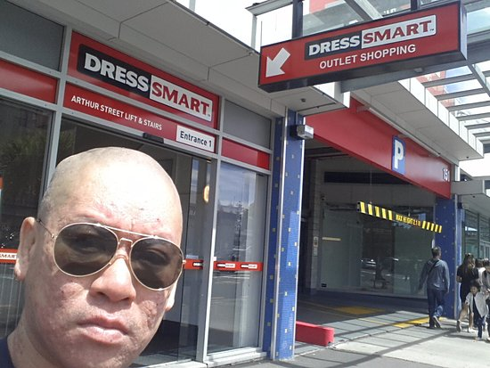 Onehunga, Yeni Zelanda: Me outside one of the entrances