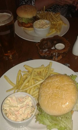 Newenden, UK: Southern Fried chicken burger & bacon cheese burger