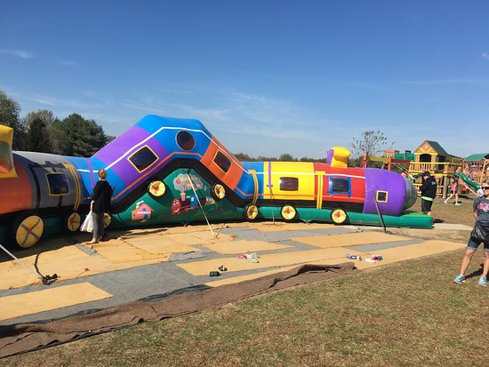 Versailles, KY: Cool little inflatable train at the orchard