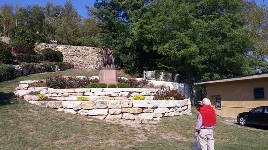 Tom and Huck's Statue, Hannibal, MO, Oct 2016