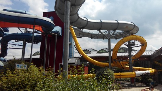 Plettenberg, Germany: Amarillo: tobogán con looping
