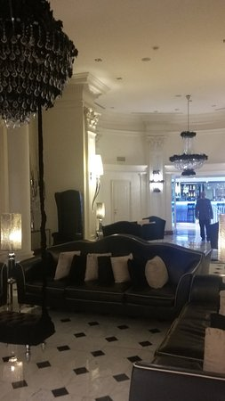 Leon's Place Hotel Photo