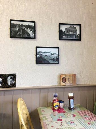 Crumlin, UK: Bushes Bakery