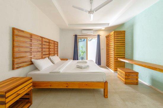 libertine estate travel dhiffushi island maldives voir les tarifs et avis chambre d. Black Bedroom Furniture Sets. Home Design Ideas