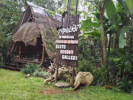Sapulidi Restaurant Picture Of Sapulidi Cafe Resort Bandung