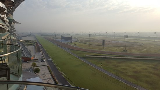 The Meydan Hotel: Everyone gets a great view of the racecourse