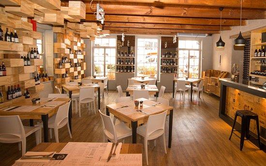 Tafel & Tap Bistro & Bakery: Tafel & Tap interior room 3