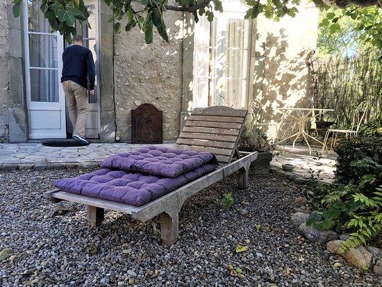Saint Martin de Villereglan, Frankrike: Замок и домик у бассейна