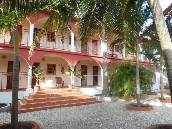 Le Flamboyant Hotel