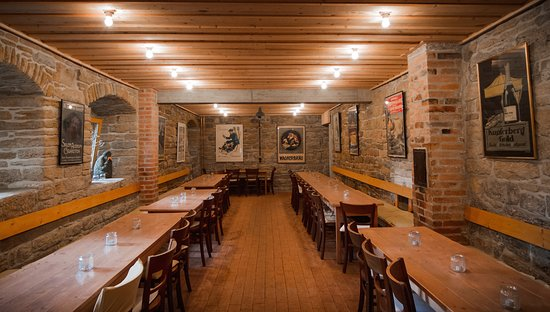krone alt hoheneck ludwigsburg restaurant reviews phone number photos tripadvisor. Black Bedroom Furniture Sets. Home Design Ideas
