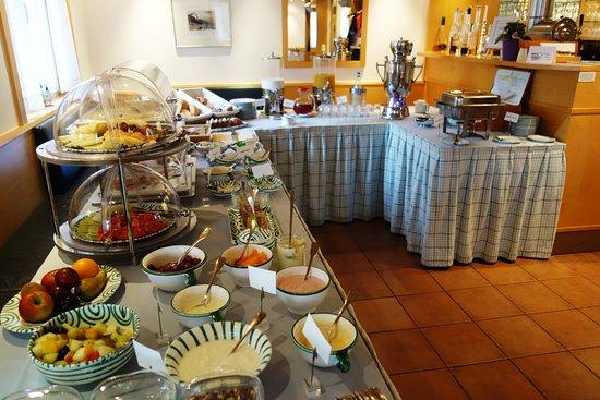 Sagard, Alemanha: Frühstücksbuffet mit vielen, feinen Extras