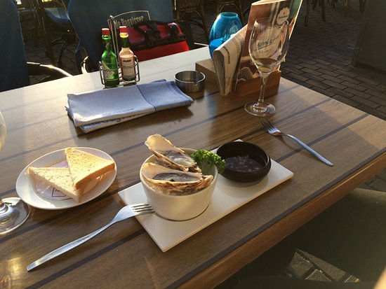Restaurant de Dagvisser: Lecker Austern in der Probierportion (Empfehlung: Zeeuwse statt Fines de Claire; denn die sind v