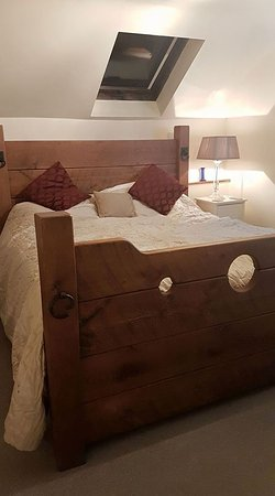 Bonsall, UK: Fantastic Bed