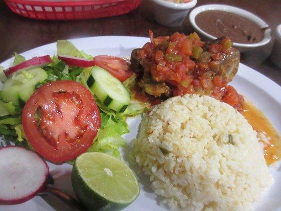 Good Salvadorean Food Cantarito Restaurant Lancaster Ca