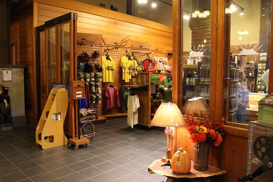 Gift Shop - Picture of Wuksachi Lodge, Sequoia and Kings Canyon ...