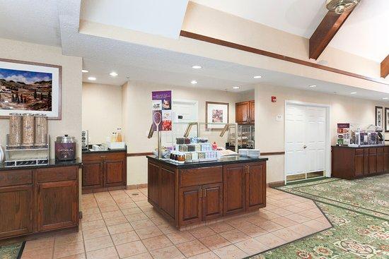 Residence Inn Tulsa South: Breakfast