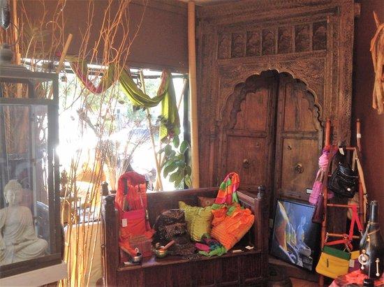 Pandaya Gallery