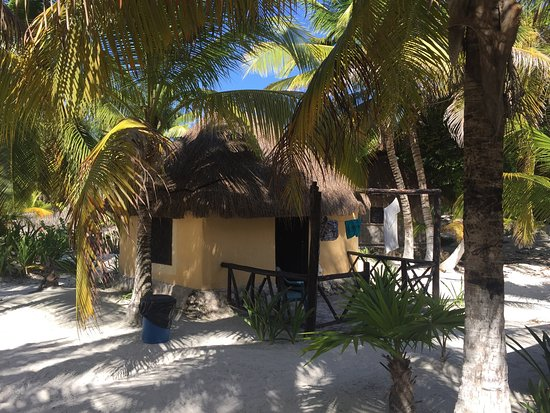 Hotel & Cabanas Zazil Kin Tulum: Best, most relaxing day trip, sat on the beach, cold cocktails close by and literally 10 ppl wal