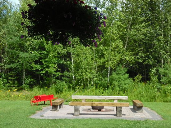 Plantagenet, Kanada: Backyard bon fire