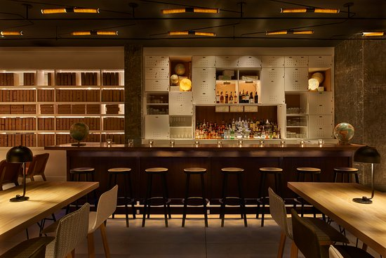 Arlo SoHo: Arlo Liquor Bar