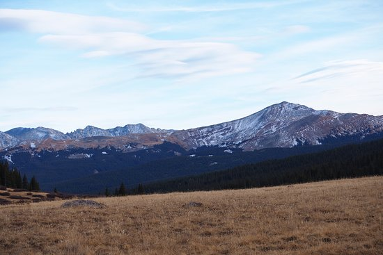 Red Cliff, CO: Be sure to go up the Shrine Pass (pretty much right across street from the inn). Beautiful views