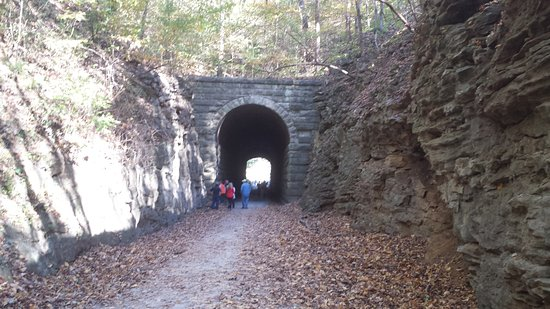 Boonville, MO: Tunnel