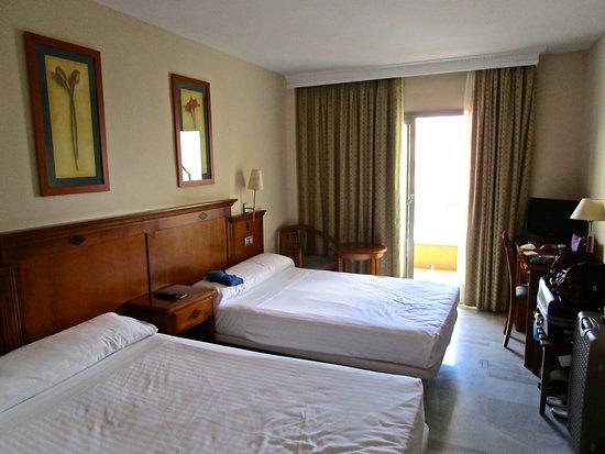 BQ Andalucia Beach Hotel : Bedroom