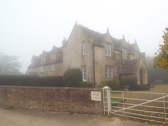 Corsham, UK: Pickwick lodge farm on a foggy morning