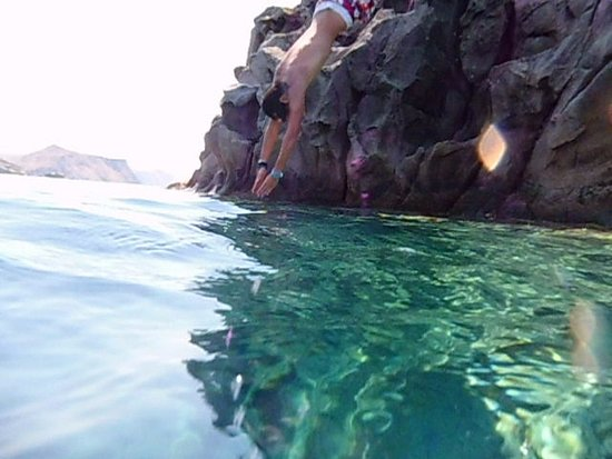 Skala Eresou, Greece: diving from the rock