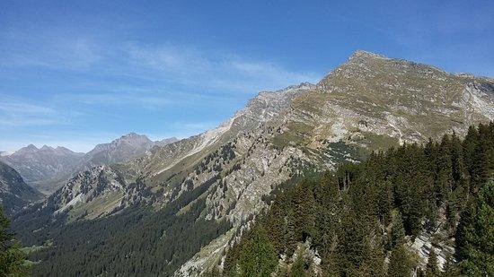 Graubünden, Schweiz: Che piacere guidare quassù..