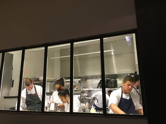 Open kitchen picture of ze kitchen galerie paris for Ze kitchen galerie menu