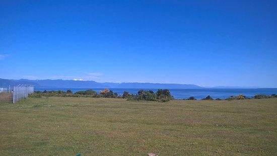 Região de Los Lagos, Chile: Vista a la bahía y la Cordillera
