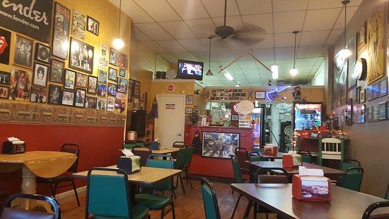 Sandwich, IL: TA_IMG_20161031_170748_large.jpg