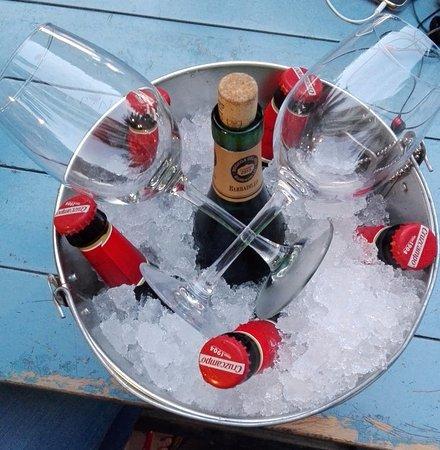 Cubo de 5 botellines y botella de vino blanco Barbadillo
