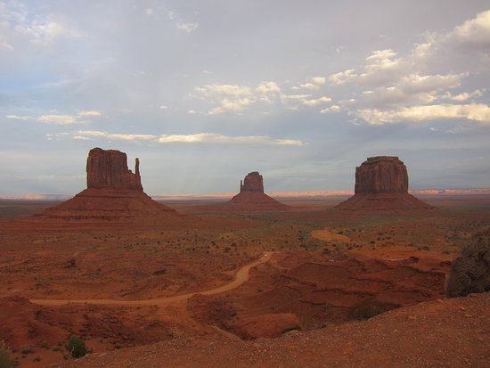 ‪Crawley's Monument Valley Tours Day Tours‬